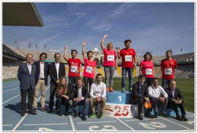 Медалисты XXV Олимпиады в Барселоне (на пьедестале в красных футболках)